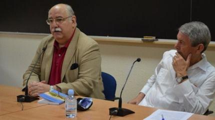 Rafael Cabrera, a la izquierda, durante uno de los actos del Aula