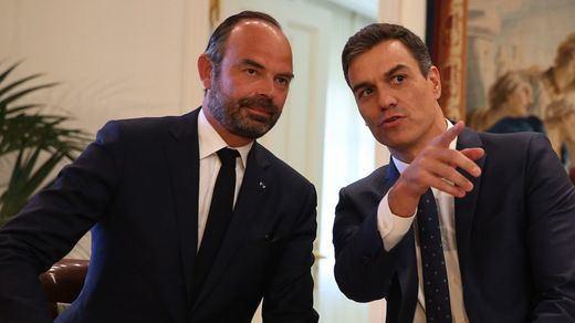 Sánchez no es el único con problemas: en Francia, el Senado rechaza el plan de desescalada del Gobierno