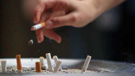 Sanidad desmiente el bulo de que fumar es bueno contra el coronavirus por un supuesto efecto de la nicotina