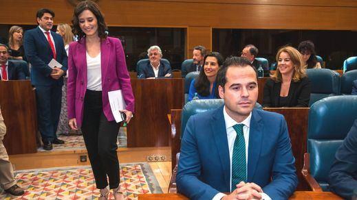 Ciudadanos intenta que el PP se desmarque de Vox en Madrid con un acercamiento al PSOE