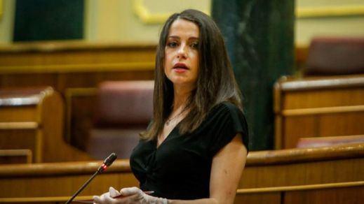Arrimadas trata de calmar las aguas en Ciudadanos tras apoyar la prórroga del estado de alarma
