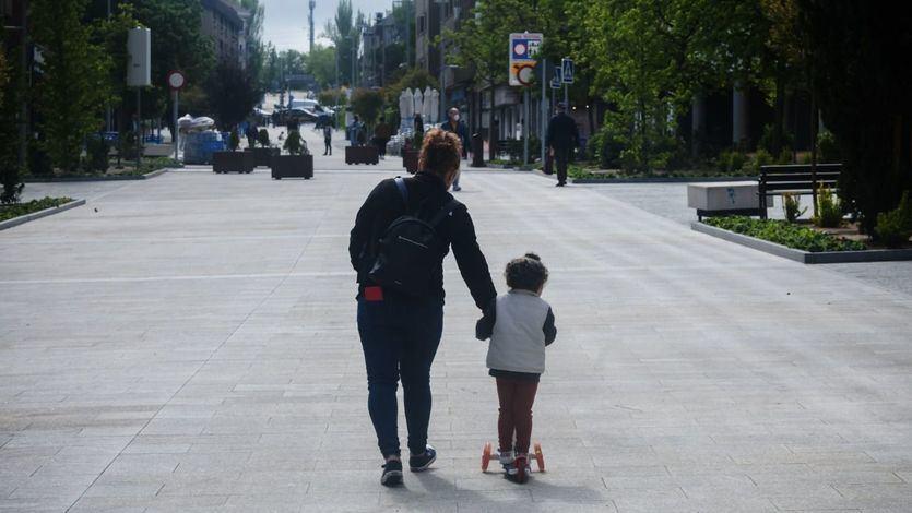 Sanidad planea adaptar las salidas de los niños a horas de menos calor