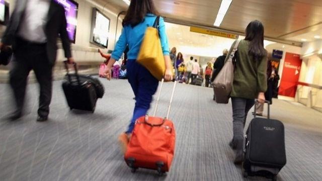 Los viajeros procedentes del extranjero deberán permanecer en cuarentena 14 días y llevar siempre mascarilla durante la desescalada
