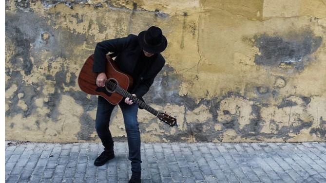 'La Noche Más Larga' se hace muy corta con la buena música, como la de Javier Sólo