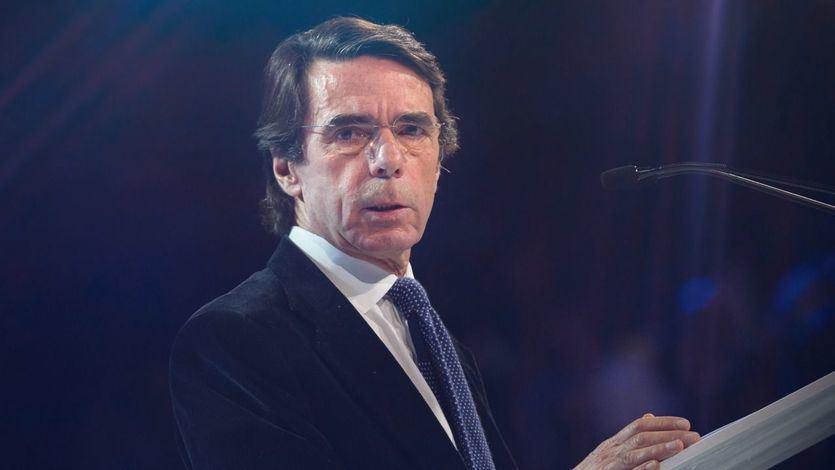 Aznar vuelve a la carga: 'Estamos en manos de un irresponsable acompañado por chavistas, comunistas y separatistas'