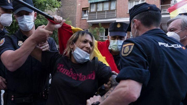 Detenida la líder del grupo neonazi Hogar Social en una protesta contra el Gobierno en Ferraz