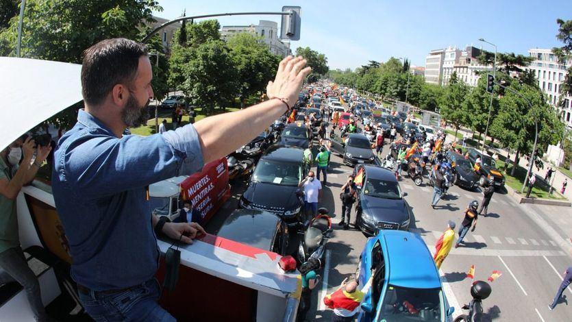 Las caravanas de coches convocadas por Vox recorren las capitales españolas