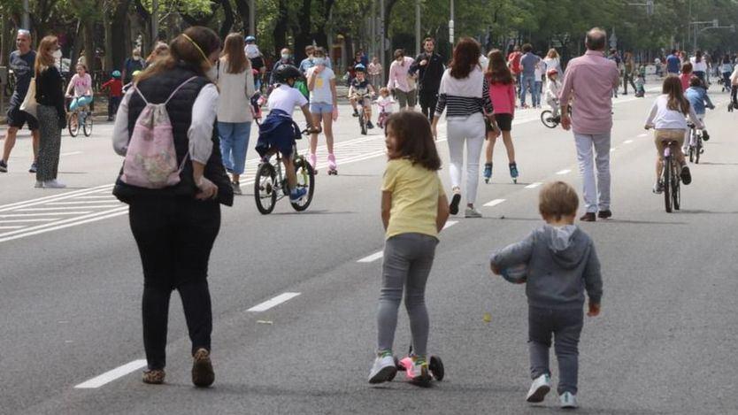 Sanidad vuelve a relajar las medidas y en la fase 2 se pone fin a los límites horarios de niños y deportistas
