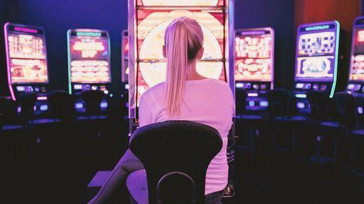 Novedades en fases 2 y 3: volverán a abrir los locales de juegos y apuestas y discotecas sin pista de baile