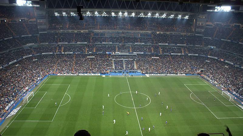 La posible pifia histórica del Real Madrid al renunciar al Bernabéu: ¿jugará sin público?