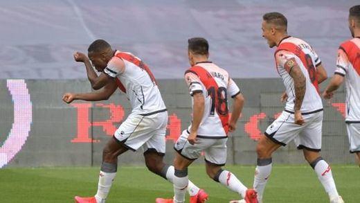 Advíncula marca el primer gol del fútbol español tras el parón por el coronavirus y el Rayo se impone al Albacete 1-0