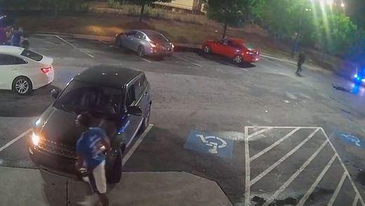 La policía de EEUU abate a tiros a otro joven negro y aviva las revueltas del 'Black lives matter'