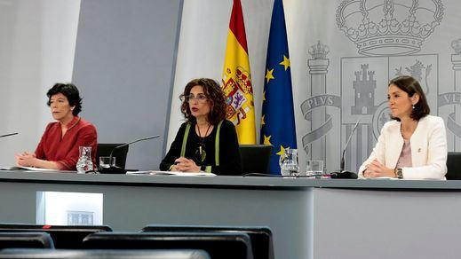 Lluvia de millones en Moncloa: el Gobierno aprueba una batería de ayudas y subvenciones contra la crisis