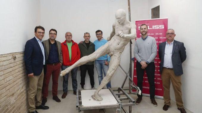 Iniesta, al desnudo: la controvertida estatua que recuerda su gol en la final del Mundial de Sudáfrica