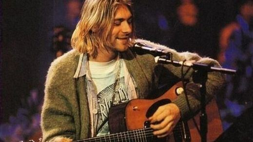 La guitarra de Kurt Cobain del famoso 'Unplugged' de Nirvana se subasta por 6 millones de dólares