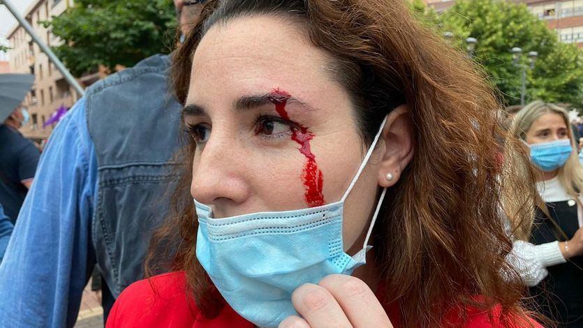 Vox, de nuevo con problemas en la campaña vasca: agresión a una diputada y encerrona a Abascal