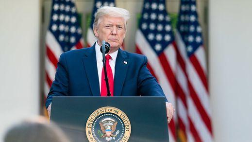 Trump comparte en redes un vídeo aplaudiendo un gesto supremacista