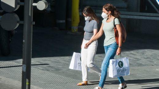Los nuevos contagios diarios de coronavirus se mantienen por debajo del centenar