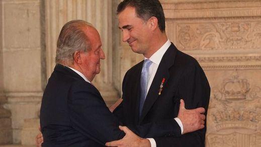 Más escándalos para la Corona: Juan Carlos sacaba 100.000 euros al mes en metálico para costear los gastos de la Casa Real