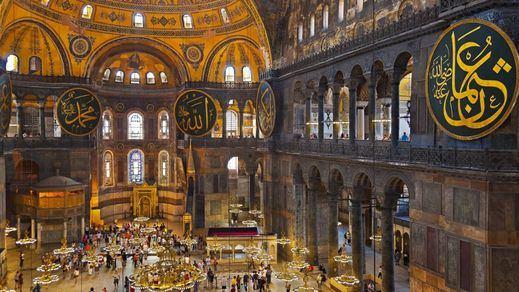 Turquía convierte la mítica Santa Sofía de Estambul en una mezquita