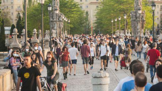 Se extiende la obligatoriedad del uso de la mascarilla en España tras una semana nefasta de contagios