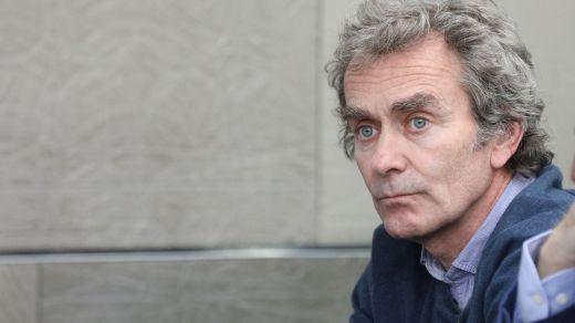 Simón usa la Ciencia para regatear el 'dardo' del ex ministro Sebastián