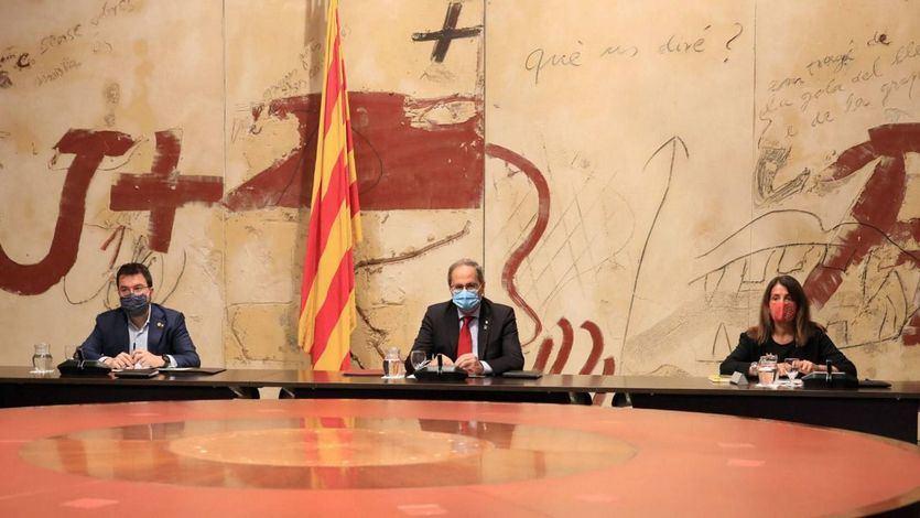 El president Torra, acompanyat del vicepresident Aragonès i la consellera Budó