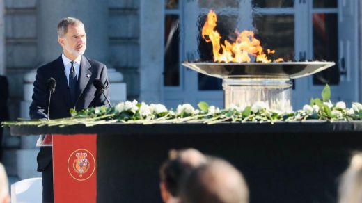 Sentido y cálido homenaje de Estado a las víctimas del coronavirus presidido por el Rey