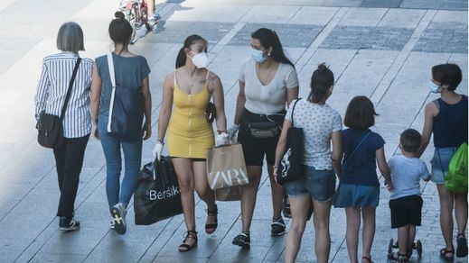 Solo Madrid y Canarias se resisten a decretar el uso obligatorio de la mascarilla