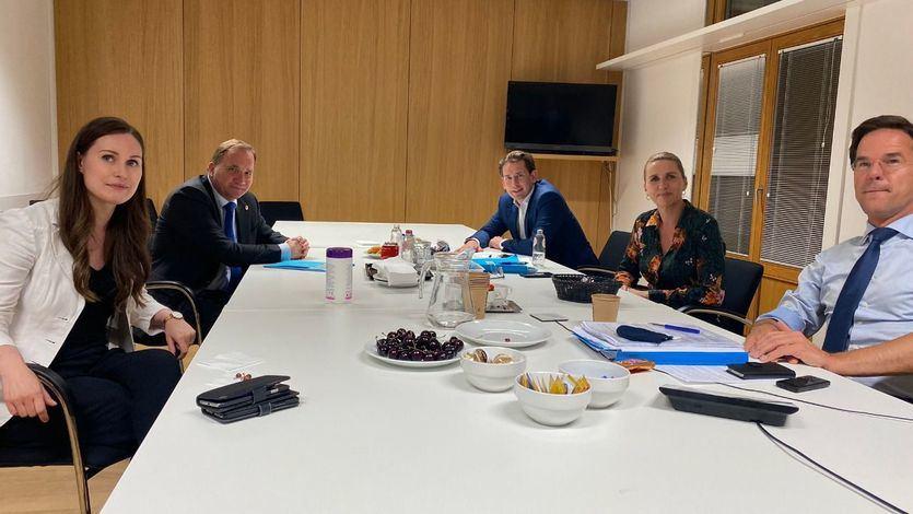 Los primeros ministros de Dinamarca, Suecia, Austria, Finlandia y Países Bajos, en un desayuno de trabajo
