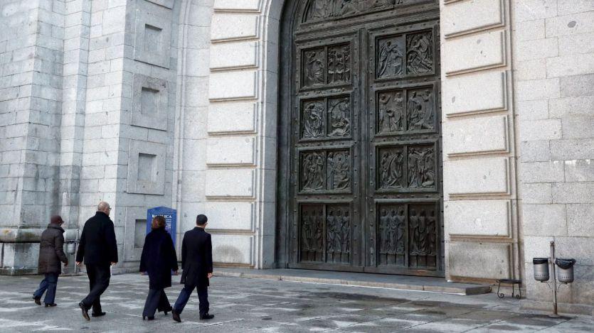 El Vaticano desmiente a Sánchez: no ayudó en la exhumación de Franco, tan sólo la 'respetó'