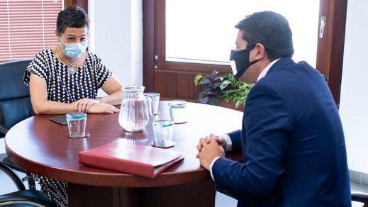 La reunión de Laya con el ministro principal de Gibraltar hace estallar a PP y Vox: