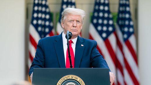 Trump aprueba, sin ser competencia del ejecutivo, su propio paquete de 'ayudas covid' a menos de 3 meses de las elecciones