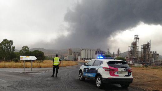 Grave explosión y posterior incendio en el complejo petroquímico de Repsol en Puertollano por la caída de un rayo