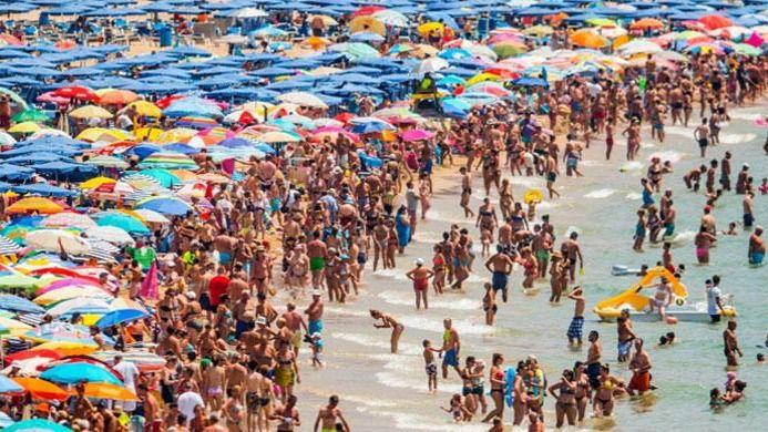 30.000 alemanes que ya tenían billetes para Baleares, afectados por la restricción de viaje a España