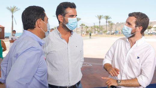 Polémica en torno a Pablo Casado: ¿debería guardar cuarentena tras estar en contacto con contagiados?