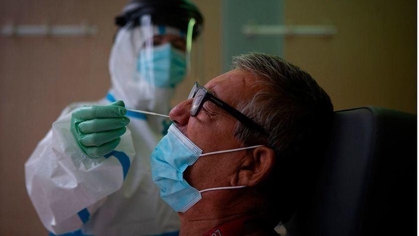 Arrancan los test PCR aleatorios en Madrid después de que Barcelona detectara así un 3% de pacientes asintomáticos o presintomáticos
