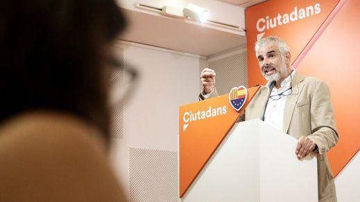 Ciudadanos cambia de estrategia en Cataluña: Carrizosa sustituye a Roldán como candidato a la Generalitat