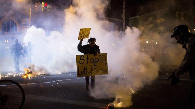 Nuevo caso de brutalidad policial en EEUU: un hombre negro, en estado crítico tras recibir siete disparos