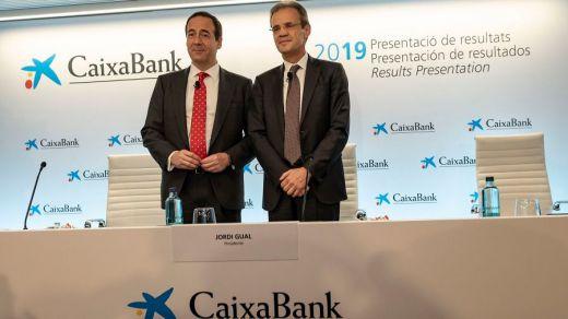 Jordi Gual, presidente de CaixaBank, y Gonzalo Gortázar, consejero delegado de la entidad