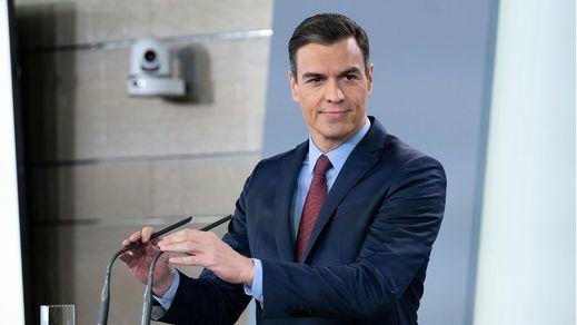Sánchez convoca a empresarios, sindicatos y organizaciones sociales justo antes de su reunión con Casado