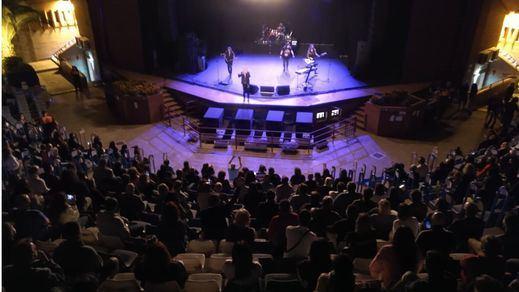 El supergrupo Medina Azahara demostró que se pueden hacer conciertos con seguridad