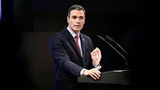Sánchez presiona a Casado con un mensaje de unidad, pero el PP no recoge el guante