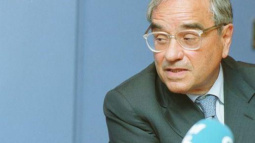 Cuatro ex presidentes del Gobierno apoyan a Martín Villa ante su declaración en la querella argentina
