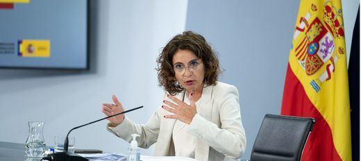 Montero inicia contactos con Podemos para preparar los Presupuestos de la coalición