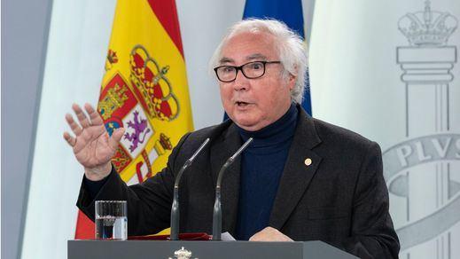 Manuel Castells responde a las críticas por su ausencia pública