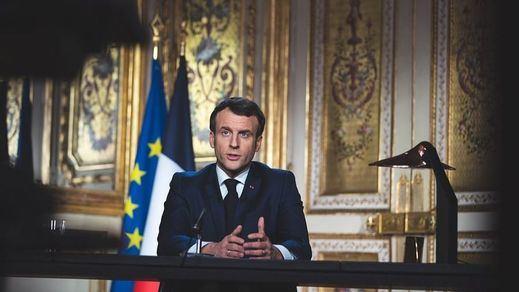 Francia sufre 10.000 contagios diarios de covid y prepara medidas estrictas