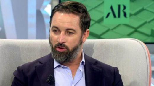 Abascal calienta su moción de censura acusando al Gobierno de estar en manos de