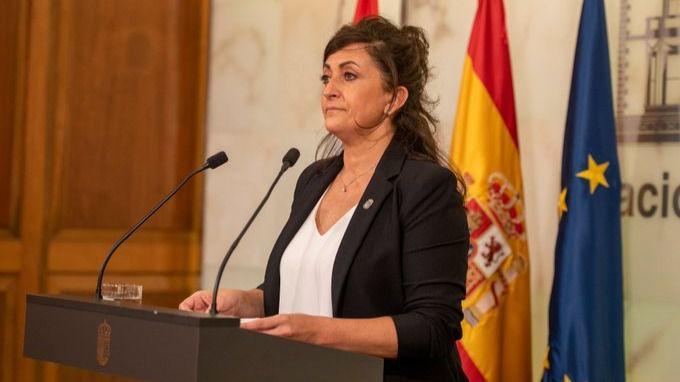 La Rioja, con el 90% de las camas UCI ocupadas, limita a 6 personas las reuniones sociales