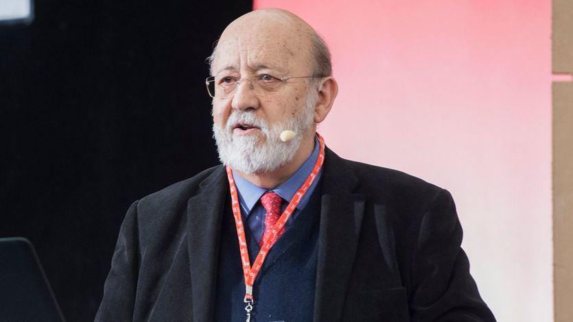 Tezanos dice que el debate sobre la Monarquía 'no interesa' a los españoles